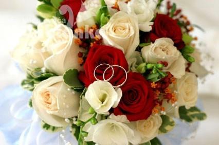 BDM 078. Bidermajer - Kombinacija Ruža, Mini ruže, Frezija, zelenilo