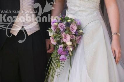 Bidermajer - Lila ruže i lizijantus