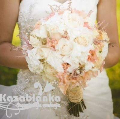 Bidermajer - Hortenzije, ruže, lizijantus i mini ruže