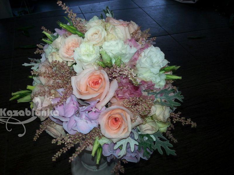 BDM 204. Bidermajer - Hortenzije, ruze, mini ruze i lizijantus