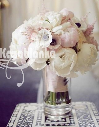 Bidermajer - Božuri i anemone sa dekoracijom