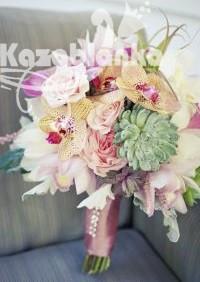 Bidermajer - Orhideje, phalaenopsis, kale, čuvarkuća i ruže sa dekoracijom